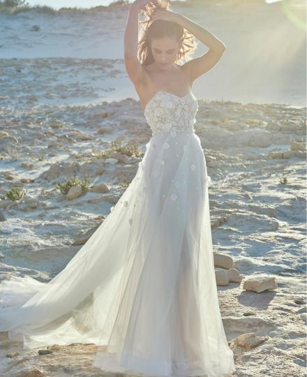Elbeth Gillis wedding dress Erika