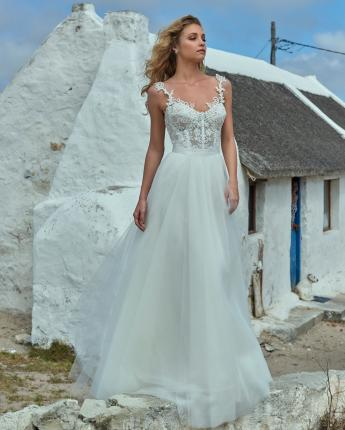 Elbeth Gillis wedding dress Elsa