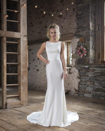 Sweetheart wedding dress style 1104