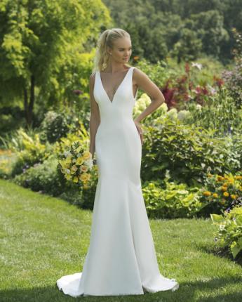 Sweetheart wedding dress style 11018