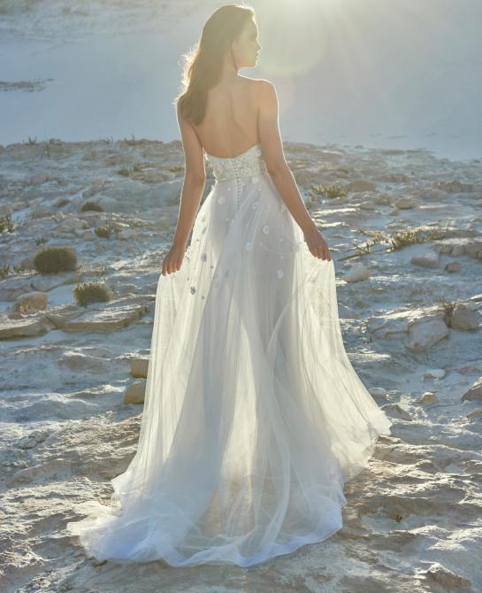 Elbeth Gillis wedding dress style Erika