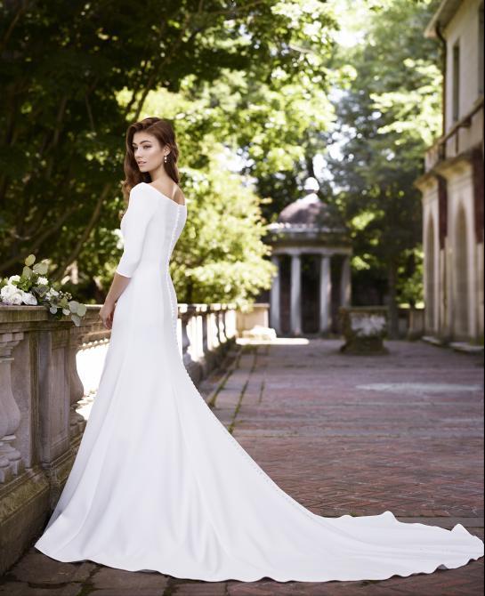 Martin Thornburg wedding dress back 119255