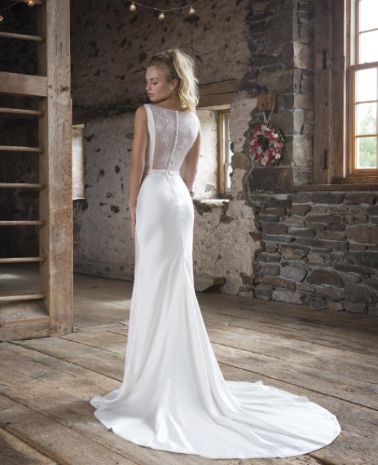 Sweetheart wedding dress style 1104