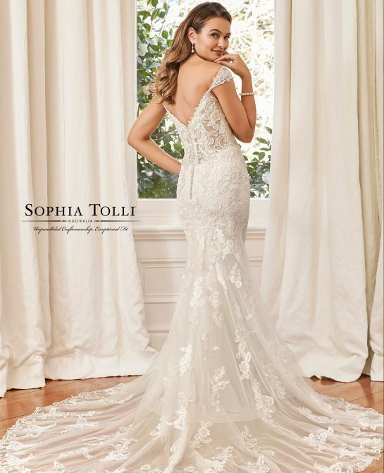 Sophia Tolli bridal gown Y11954
