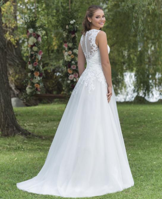 Wedding dress by Sweetheart style 6146